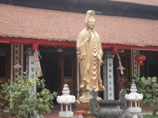 http://media.dulich24.com.vn/diemden/chua-dao-xuyen-3835/chua-dao-xuyen-2.jpg