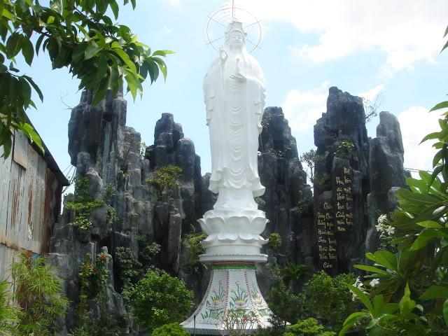 Tượng phật Quan Âm tại chùa Diên Thọ