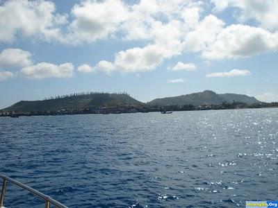 Đảo Lý Sơn chụp từ ngoài biển