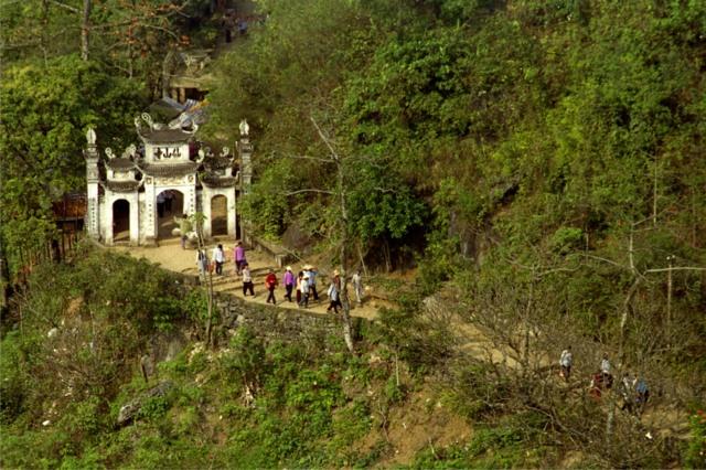 Động Tiên Sơn.