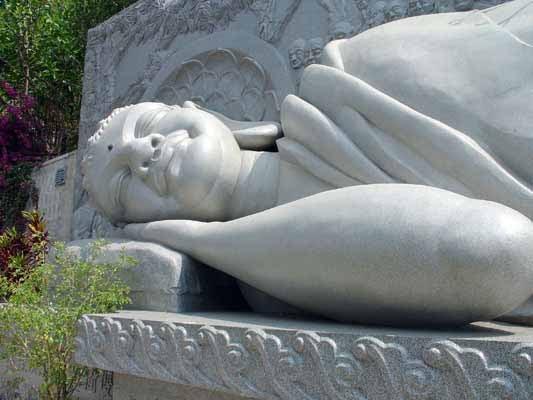 Tượng Đức Phật nhập Niết bàn