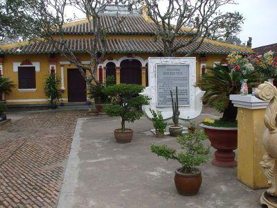 chùa long tuyền