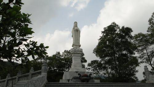 Phật Bà Quan Âm chùa Non Nước (Sóc Sơn - Hà Nội)