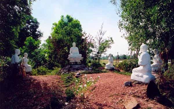 Tượng Đức Phật chuyển pháp luân