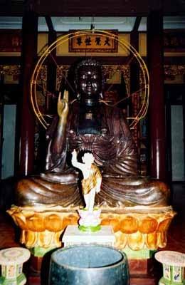 Tượng Đức Phật Thích Ca bằng đồng
