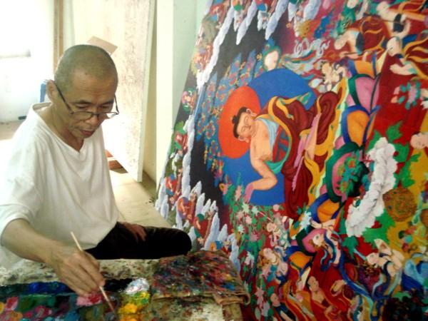 Tranh và các hoa văn Mật tông trang trí trong chùa đều do các Thầy vẽ