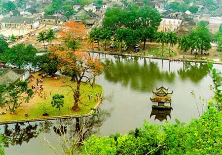 Quang cảnh chùa từ trên cao nhìn xuống
