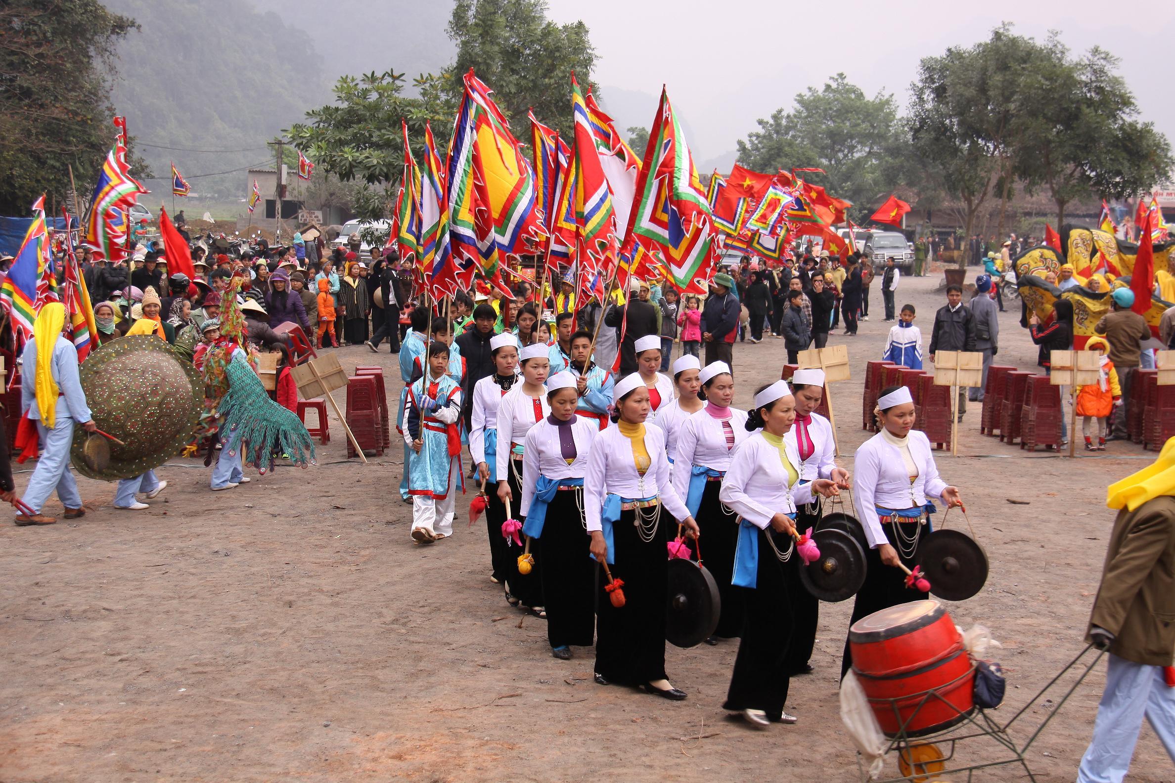 Lễ khai hội Chùa Tiên (tiếp theo)
