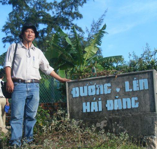 """Dấu ấn của mỗi du khách khi ra đảo Cù Lao Xanh không thể không đến thăm ngọn hải đăng """"mắt thần"""" của biển"""