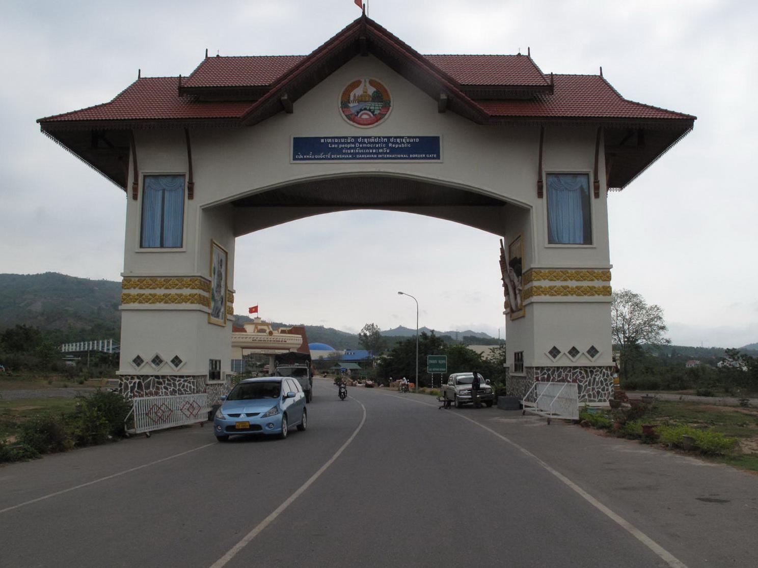 Cửa khẩu Den Savanh của Lào