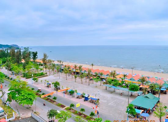 Bãi biển Cửa Lò, Nghệ An.