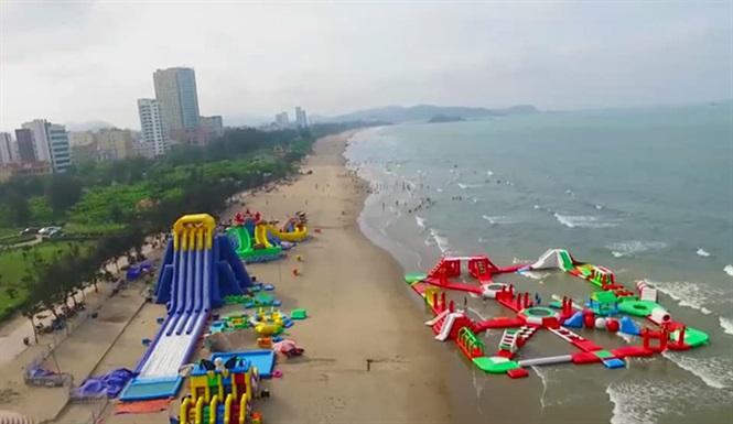 Bãi biển sạch đẹp vô cùng