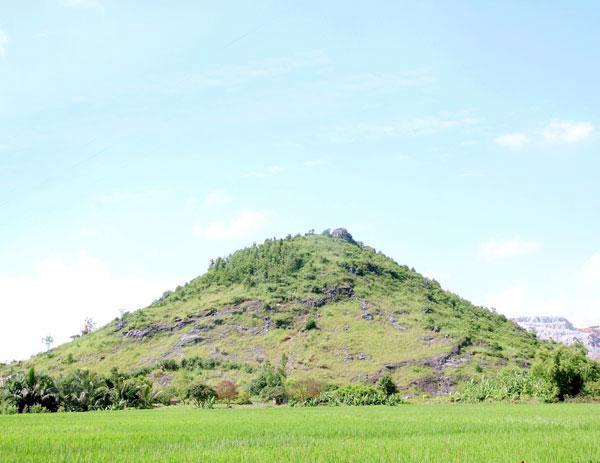 Núi Đống Thóc