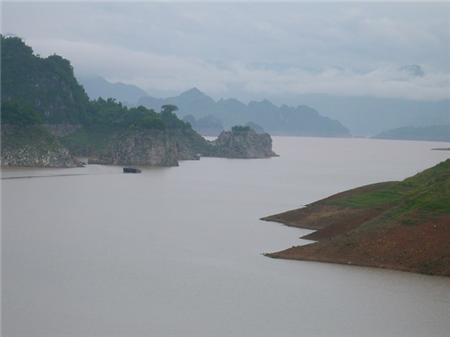 Dòng sông đà hiền hòa