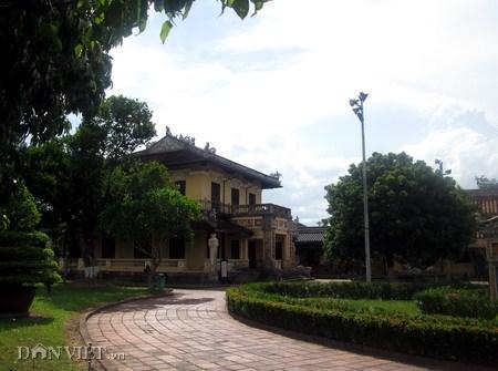 Lầu Tịnh Minh trong cung Diên Thọ