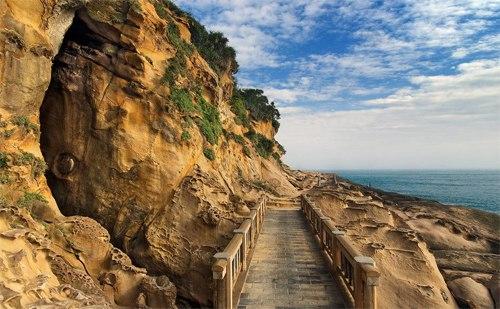 Bờ biển Vạn Lý và những con đường ven biển tuyệt đẹp.