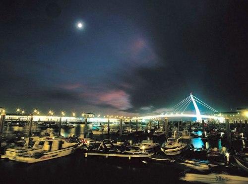 Hải cảng gần cầu Đại Trực.