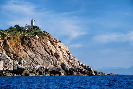 Đảo Bình Hưng được ví như một viên ngọc chưa được mài dũa của ngành du lịch biển Việt Nam.