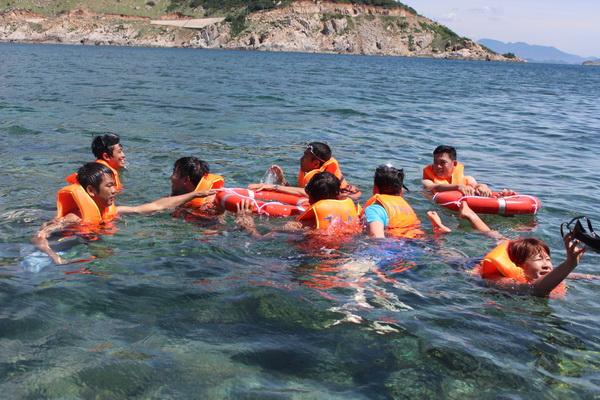 Và dòng nước mát là món quà thiên nhiên ban tặng cho đảo Bình Hưng