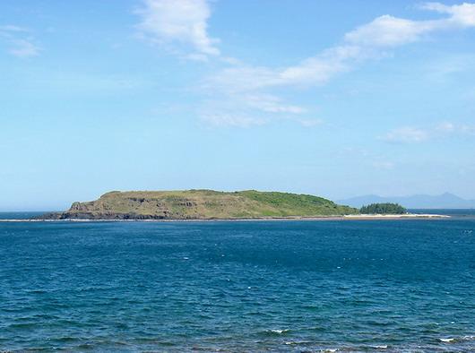Đảo theo góc nhìn từ bờ ...