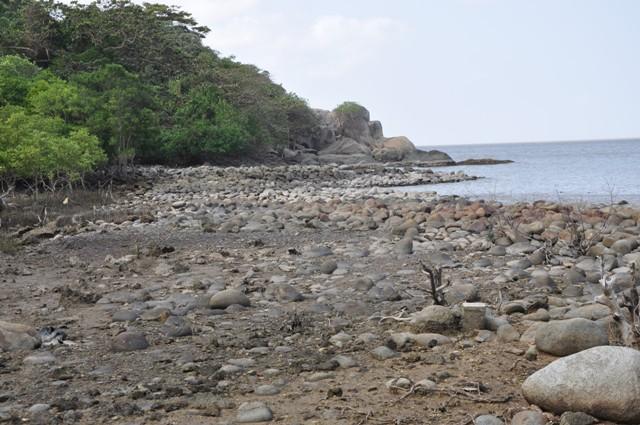 Hòn Khoai không những là danh lam thắng cảnh của tỉnh Cà Mau mà còn là di tích cách mạng nổi tiếng ở miền Tây Nam Bộ