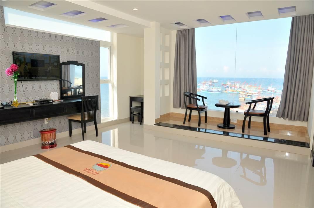Đặt phòng khách sạn, khu du lịch Hải Tiến.