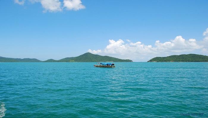 Biển đảo Quan Lạn