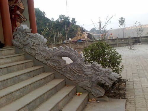 Rồng đá chùa Cửa Đạt