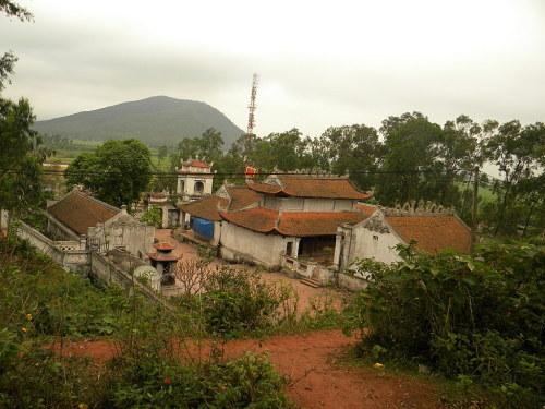 Toàn cảnh đền Cuông