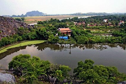 Góc chính diện đền Đồng Cổ ở Đan Nê, xã Yên Thọ - huyện Yên Định, Thanh Hóa