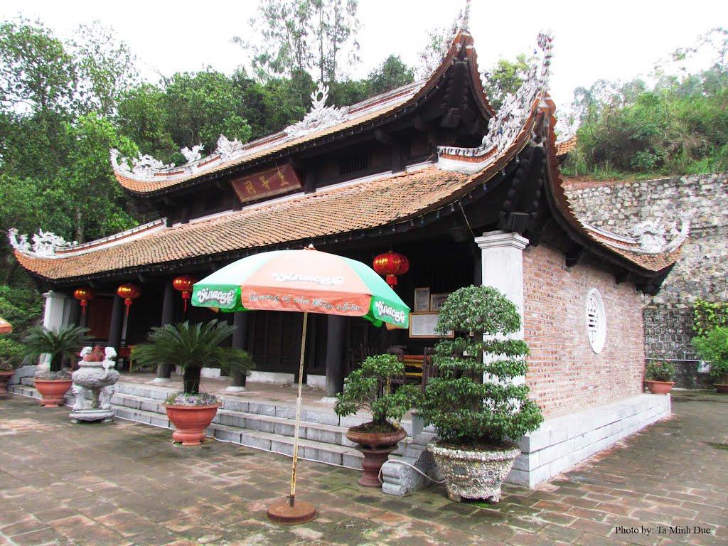 ngôi đền có từ lâu đời ở quận Lê Chân