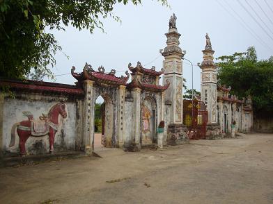 Cổng Đền Quả Sơn