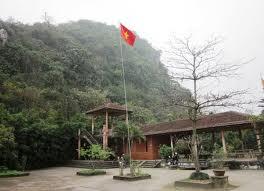 Đền Trúc-Ngũ Động Thi Sơn