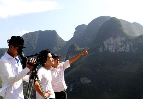 Núi đá hùng vĩ ở Mã Pì Lèng trong công viên địa chất là nguồn cảm hứng cho các nhà làm phim và nghiên cứu khoa học.