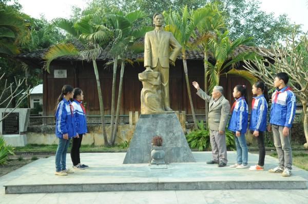 Di tích lưu niêm Hoàng Đình Giong
