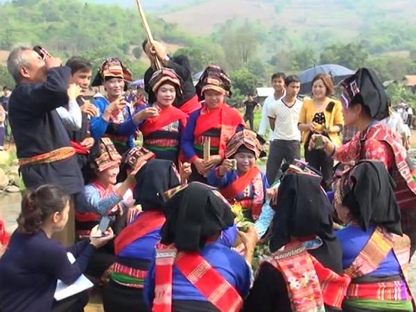 Các lễ hội truyền thống ở Điện Biên