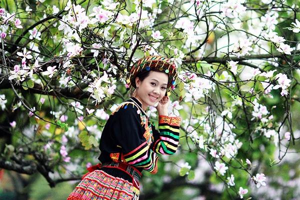 Du khách có thể thuê trang phục truyền thống để chụp ảnh