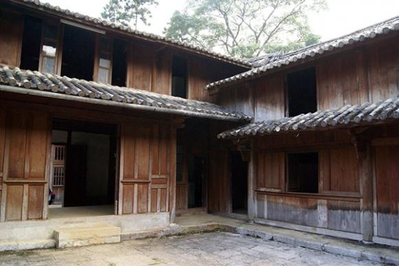 Dinh họ Vương - Điểm du lịch hấp dẫn Hà Giang.