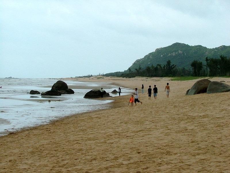 Đi dạo trên bãi biển