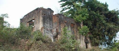 Dinh thự vua Thái Đèo Văn Long