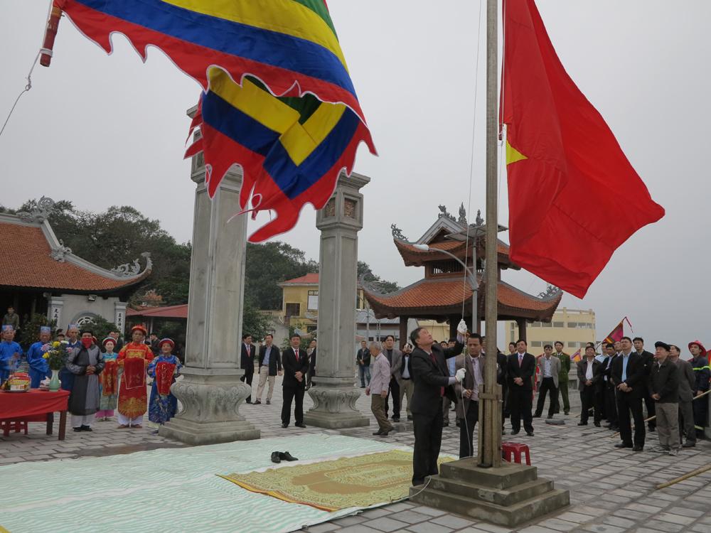 Lễ thượng cờ khai hội đảo Dấu