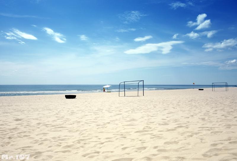 Điểm du lịch Đồng Hới hấp dẫn: Biển Nhật Lệ, điểm du lịch hấp dẫn nhất Đồng Hới.
