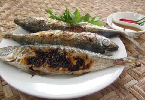 Món ngon Đồng Hới, Quảng Bình: Nục gai nướng than.