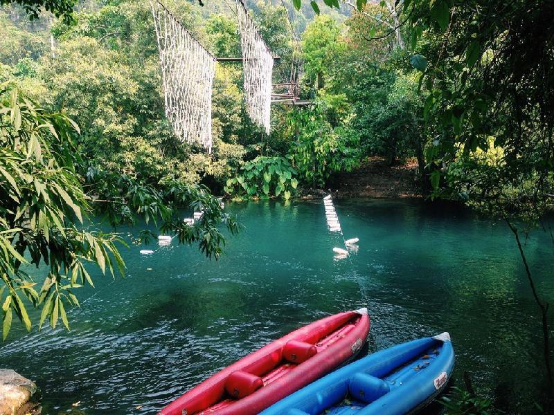Điểm du lịch Đồng Hới hấp dẫn: Khu du lịch Suối Nước Mọoc.