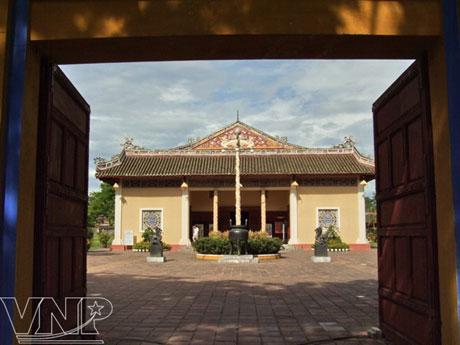 Nhà hát Duyệt Thị Đường. (Ảnh: Báo ảnh Việt Nam)