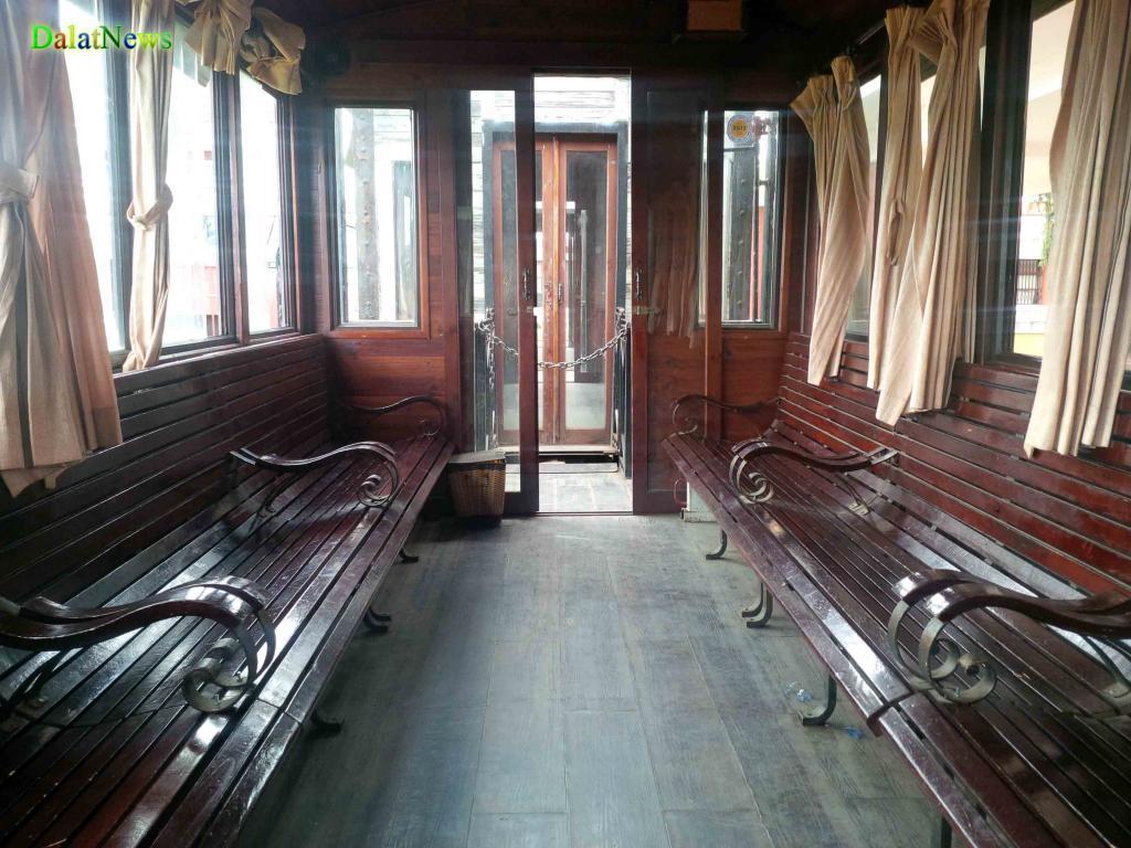 Hình ảnh bên trong toa tàu.