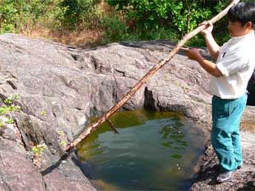 Giếng là nguồn sống cho các hộ dân
