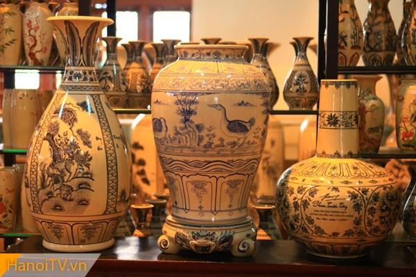 Những chiếc bình với giá trị hàng triệu đồng được bán trong nước và xuất khẩu ra nước ngoài
