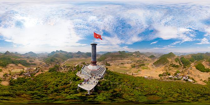 Cột cờ Lũng Cú - Điểm du lịch hấp dẫn ở Hà Giang.