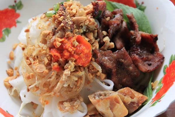Hủ tiếu hấp Hà Tiên béo ngậy vị nước cốt dừa